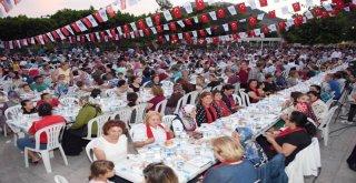 Büyükşehir Belediyesi Ramazan Sofrası'nı Silifke'de Kurdu