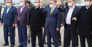 Suriye'ye 'kardeşlik üşümesin' konvoyu