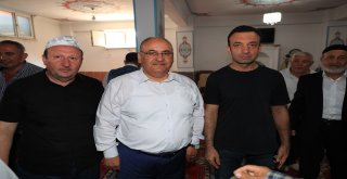 Başkan Hasan Can Dudullu Merkez Cami Cemaati ve Bölge Esnafını Ziyaret Etti
