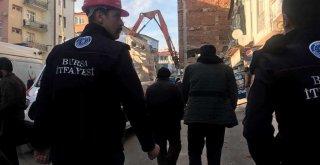 Depremzedelerin yaraları sarılıyor