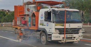 Büyükşehir Belediyesi yol çizgileme çalışmalarına devam ediyor