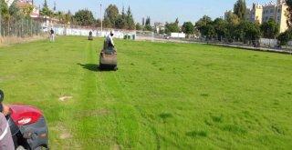 Büyükşehir'den çim sahalara özel bakım