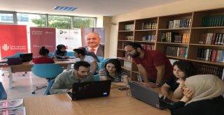 Gençler Geleceklerine Ümraniye Belediyesiyle Yön Veriyor