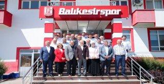 Balıkesir Büyükşehir Belediye Başkanı Zekai Kafaoğlu 'Balıkesirspor bizim her şeyimiz, takımımızın her zaman yanındayız' mesajı verdi.