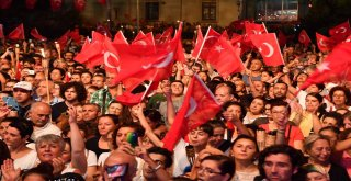 Maltepe'de Zafer Bayramı coşkusu