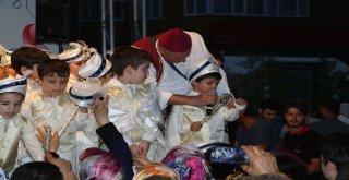 Ümraniye'de 15. Geleneksel Sünnet Şöleni Yapıldı