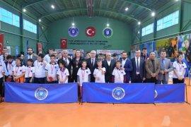 Bursa'da Özel raketler madalyalarını aldı