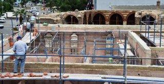 Osmanlı Mirası Tarihi Medresenin Restorasyonu Sürüyor