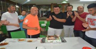 Teknik Direktör Levent Devrim'e Sürpriz Doğum Günü Kutlaması