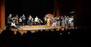 Tiyatro Okulu Yeni Dönem İçin Perdelerini Açıyor