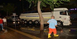 Büyükşehir bulvar ve caddelerde temizlik çalışmasını sürdürüyor