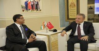 Hindistan'ın Ankara Büyükelçisi Başkan Böcek'i ziyaret etti