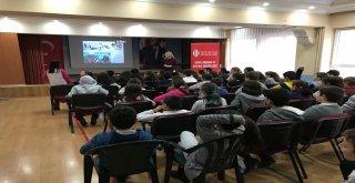 Ümraniye Belediyesi, İlçedeki Öğrencilere Çevre Eğitimi Vermeye Devam Ediyor