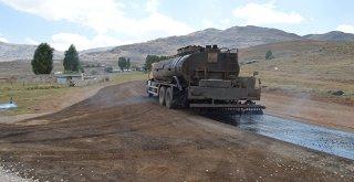 Manavgat'ın yayla yolları modern asfaltla güzelleşiyor