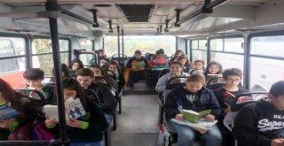 Adana'da Okulların Açıldığı İlk Gün Öğrencilere ve Velilere Toplu Taşıma Ücretsiz