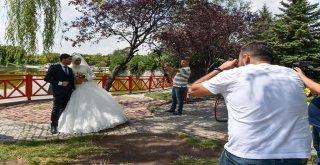 BAŞKENT'TE EVLENEN ÇİFTLERİN FOTOĞRAF ÇEKİMİ