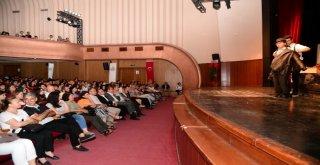 33.Tiyatro Şenliği'nde Liseli Gençlerden Başkan Sözlü'ye Sevgi Seli