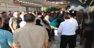 Başkan Hasan Can ve AK Parti Ümraniye İlçe Başkanı Av. Mahmut Eminmollaoğlu Ümraniye İlçe Milli Eğitim Şube Müdürü Mehmet Kayrak'ın Cenazesine Katıldı