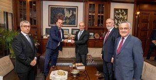 Balıkesirliler Derneği'nden Başkan Soyer'e ziyaret