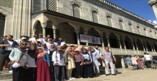 İBB 7 AYDA 110 ÜLKEDEN 5 BİN YABANCI MİSAFİRE İSTANBUL'U TANITTI
