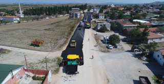 Balıkesir Büyükşehir Belediye Başkanı Zekai Kafaoğlu basın mensuplarıyla bir araya gelerek Balıkesir'de yapılan yol çalışmaları hakkında bilgiler verdi ve yerinde incelemelerde bulundu.