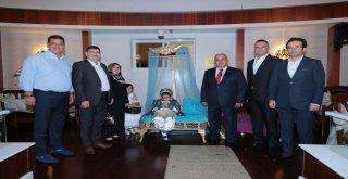 Başkan Hasan Can, Torunları Mehmet ve Hasan'ın Sünnet Merasiminde Akrabaları ve Dostlarıyla Bir Araya Geldi