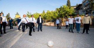 Başkan Soyer Acil çözüm ekipleriyle sahada