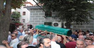 Başkan Hasan Can ve AK Parti Ümraniye İlçe Başkanı Av. Mahmut Eminmollaoğlu Ümraniyeli Esnaf Turgay Yersel'in Cenazesine Katıldı