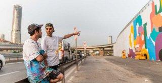 İSTANBUL'UN GRİ DUVARLARINA RENK GELİYOR
