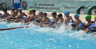 Yüzme kursuna yoğun ilgi