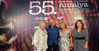 Antalya'da 'Yaşam Boyu Başarı Ödülü' alan Ferzan Özpetek