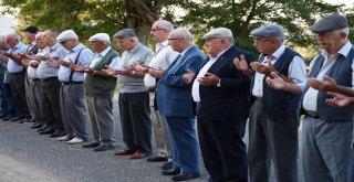 Başkan Albayrak Kırsal Mahallelerde Vatandaşlarla Bayramlaştı