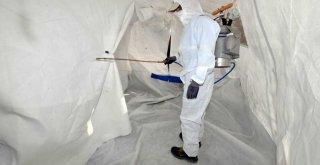 Görevini tamamlayan çadırlar temizlenerek depolara kaldırılıyor