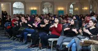 Kimin başkan olacağına kadınlar ve gençler karar verecek