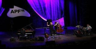 Biletleri günler öncesinden tükenen Dhafer Youssef, festivalin kapanış gecesinde sahne aldı'