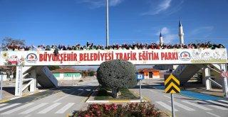 BÜYÜKŞEHİR'DEN 21.500 ATEŞ BÖCEĞİNE TRAFİK EĞİTİMİ
