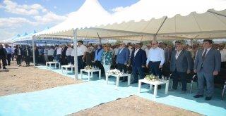 Balıkesir Büyükşehir Belediyesi tarafından İvrindi'ye yapılması planlanan ve toplamda 55 dönüm araziye oturan Millet Parkı'nın temeli düzenlenen görkemli törenle atıldı.