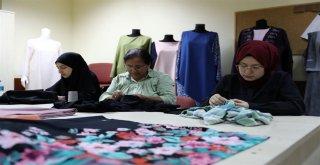 Emekli Oldu Dikiş Nakış Kursunda Hayallerini Gerçekleştirdi