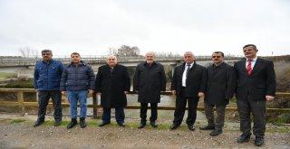 Başkan Zekai Kafaoğlu İvrindi ilçesinde  köprü çalışmasını inceledi.