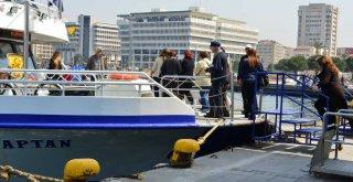 İzmir'de deniz ulaşımı yükseliyor