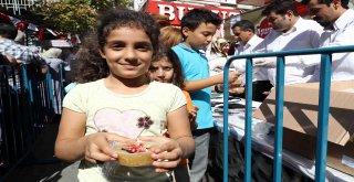 Bağcılar'da 20 Bin Kişiye Aşure Dağıtıldı
