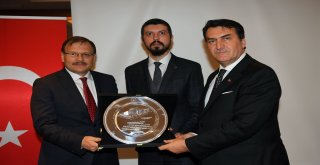 Eski Başkanlardan Mustafa Dündar'a Hizmet Övgüsü