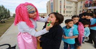 Denizli'de Okullar gençler ile renkleniyor