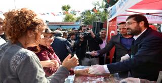 Başkan Hazinedar Beşiktaş'ta Aşure Dağıttı!