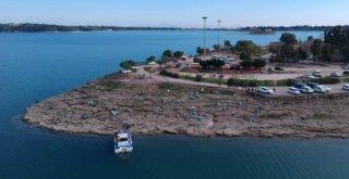 Çevre Dostu Kargocular Göl Kıyısını Temizledi