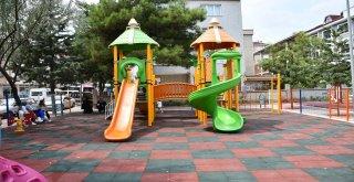 Sinanbey Mahallesi Çocuk Oyun Alanı Yeni Görünümüne Kavuştu