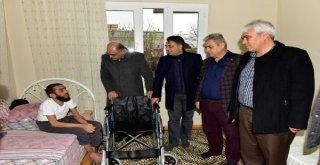 Pozantı'da 10 bedensel engelliye tekerlekli sandalye