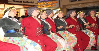 Nilüfer Halk Dansları Avanos'ta büyüledi
