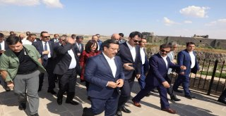 Başkan Atilla ve Bakan Kurum Sur'da incelemelerde bulundu