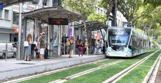 İzmir Tramvayı'nda ücretsiz internet dönemi yarın başlıyor